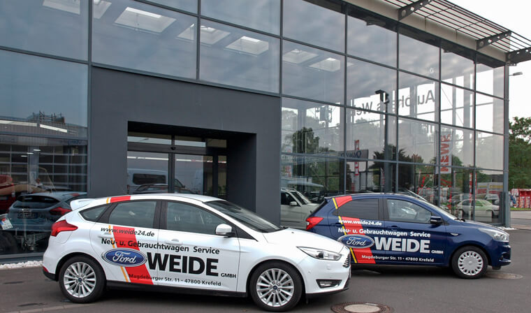 Gebrauchtwagen vor Aotohaus - Hol-/Bringservice & Werkstatt-Ersatzwagen